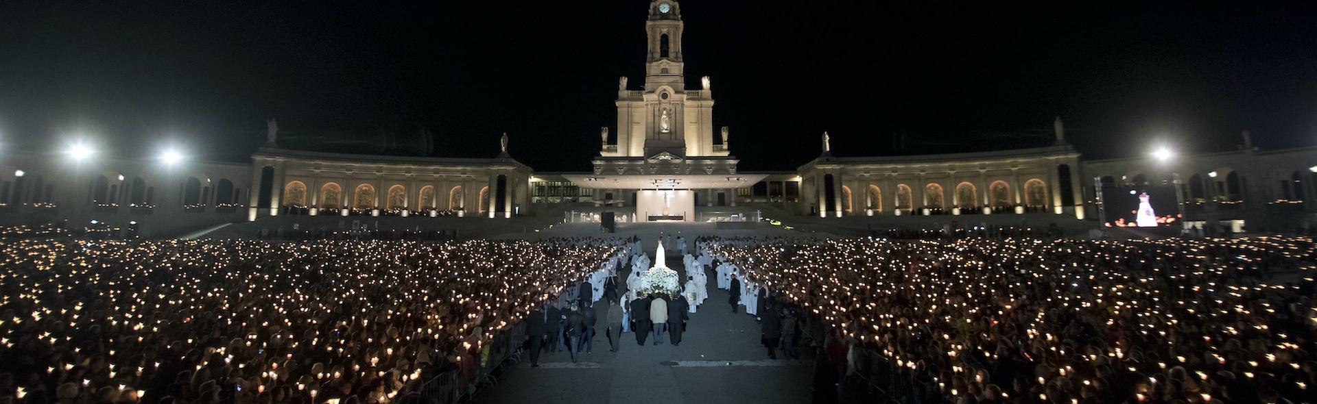 Pellegrinaggio a Fatima da Roma Santi