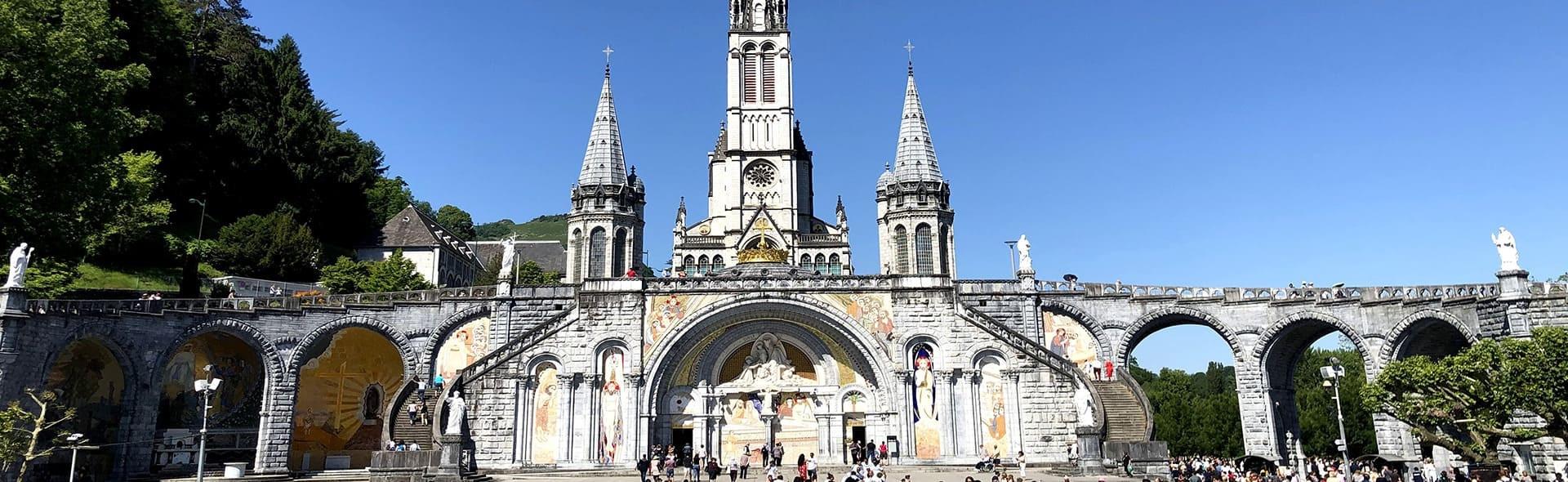 Viaggio a Lourdes in Aereo da Milano Giugno