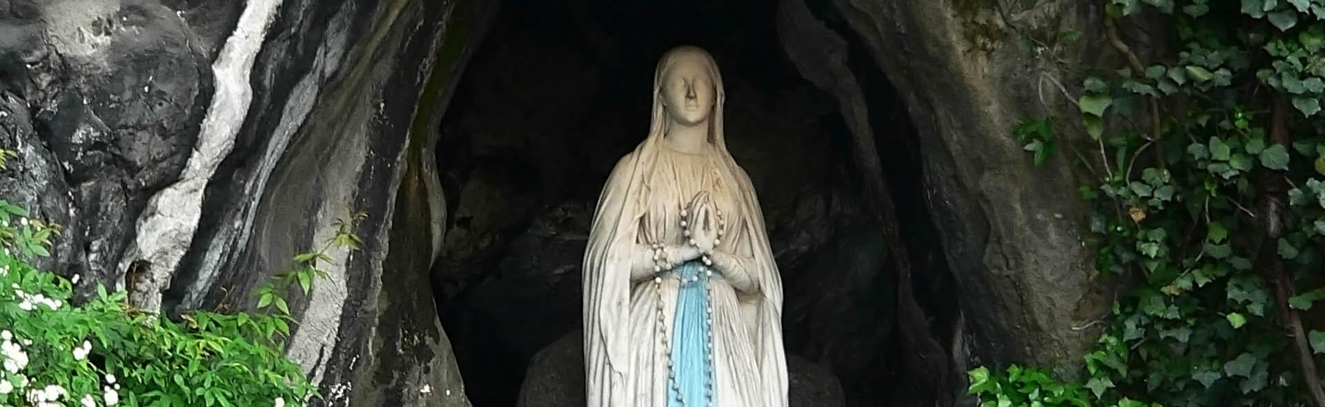 Viaggio a Lourdes in Aereo da Roma Santi