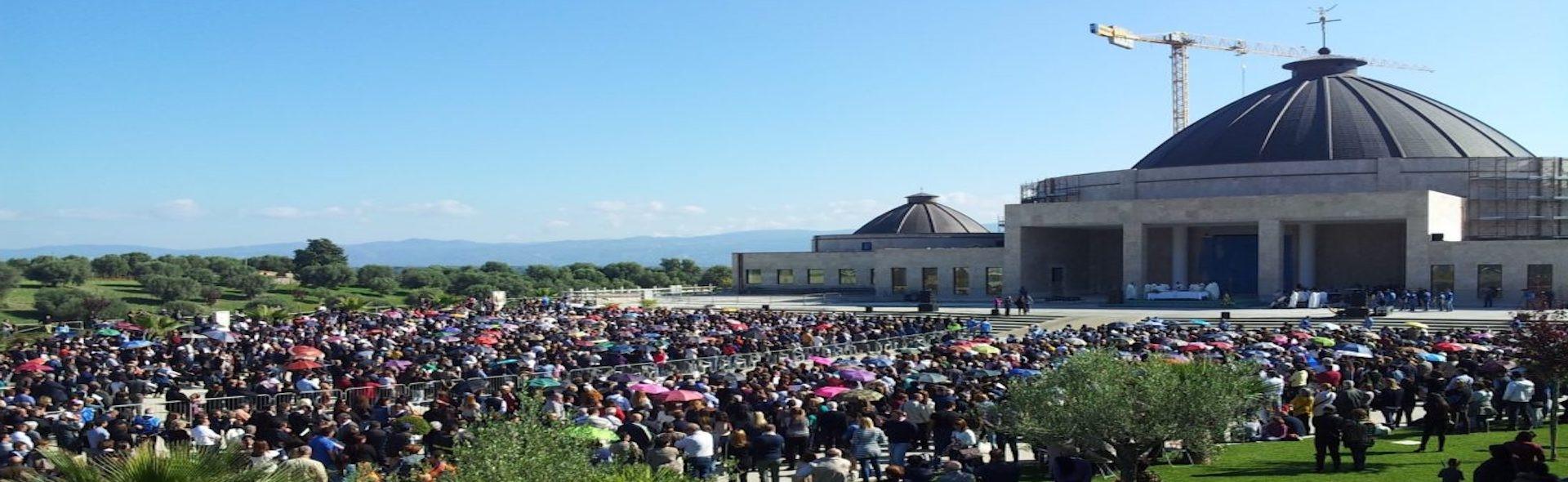 Pellegrinaggio da Natuzza Evolo Santi