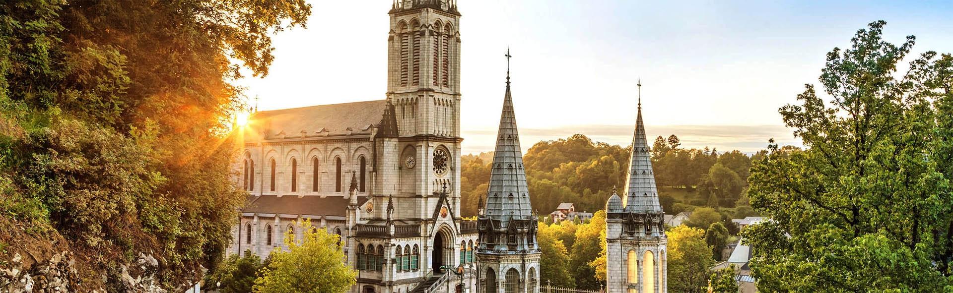 Viaggio a Lourdes in Aereo da Milano Ferragosto