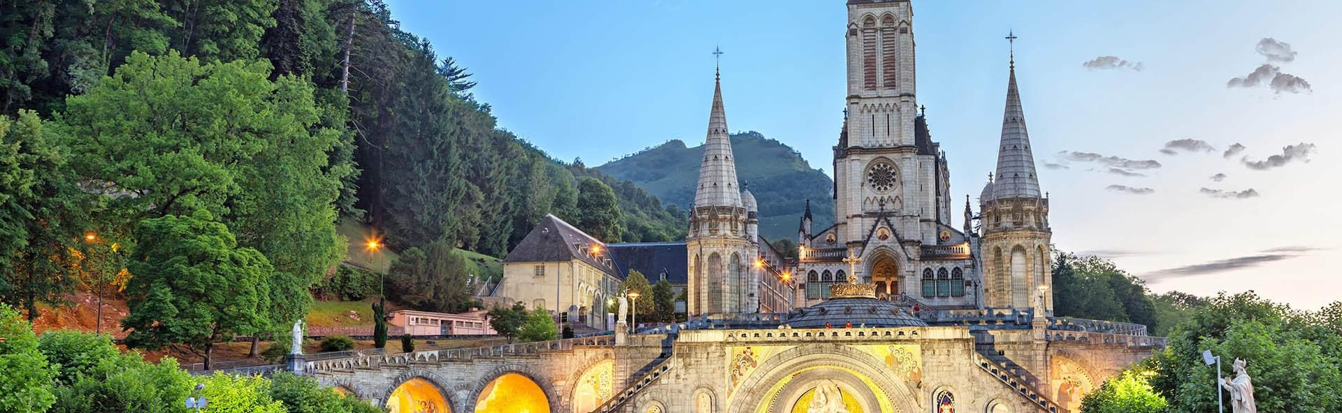 Viaggio a Lourdes in Aereo da Napoli Immacolata 4 giorni